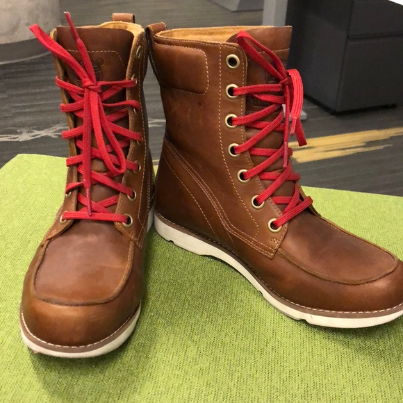 Classic Timberland Boots With Red Laces